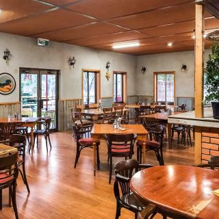 Hungry Horse Hotel 4634, Goulburn Valley Highway, Molesworth, Victoria
