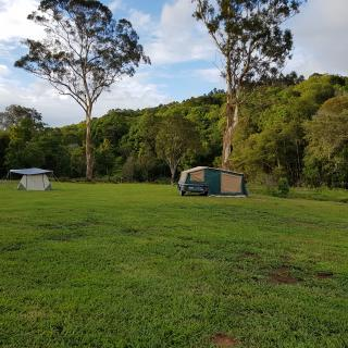 "The Farm ""The Flats"" 2wd camping"