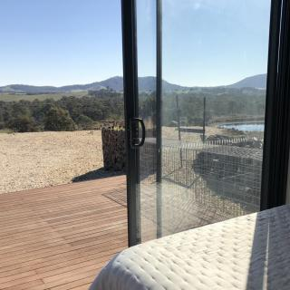 Hilltop Tiny House 1hr from Melbourne